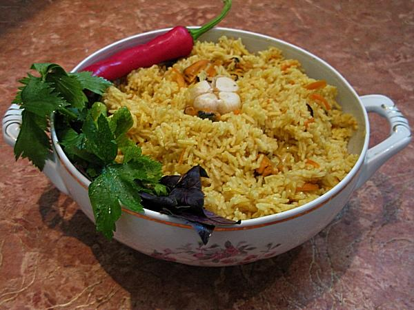 Mongolia in Odessa cuisine: Plov with Black Sea mussels